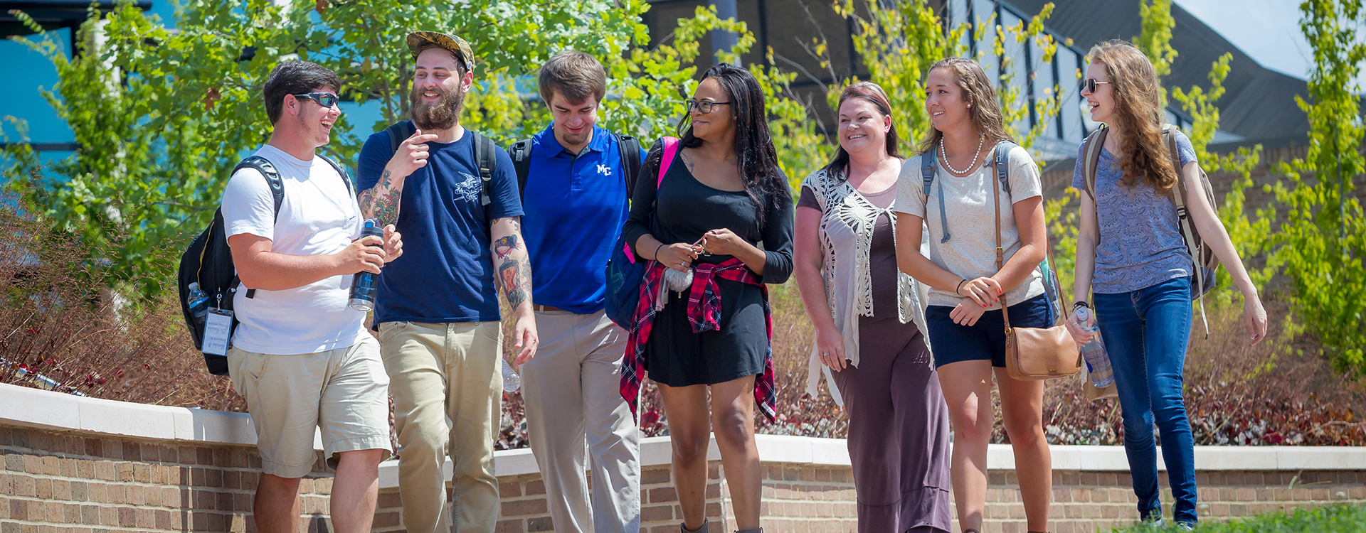 Students on the Vol State campus in Gallatin