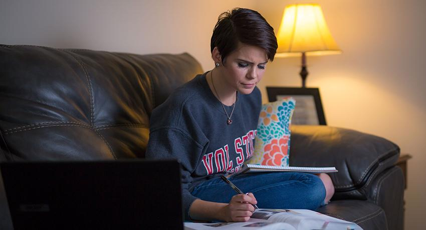 Vol State student Melody Wilson studies at home