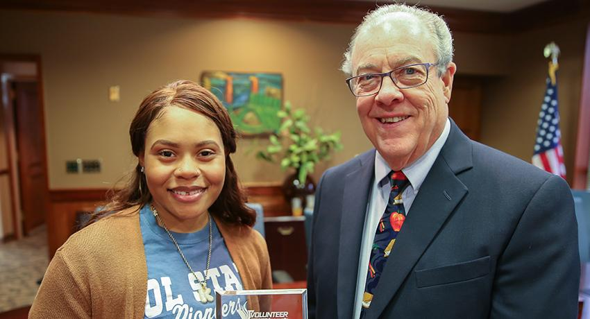 Khandis Bush and Vol State president Jerry Faulkner
